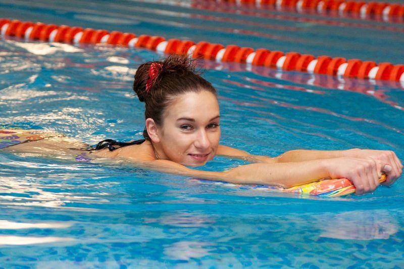 Фото: как правильно плавать чтобы похудеть